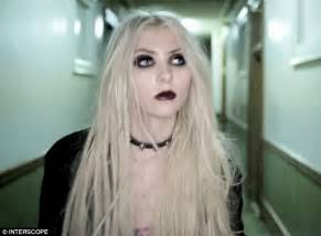 taylor momsen aims to shock in new pretty reckless video