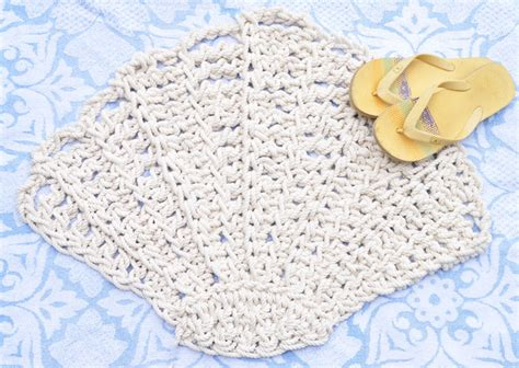 seashell bathroom rugs scallop seashell bathmat or rug handmade beach style