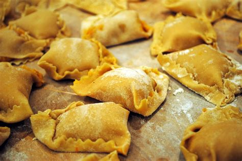 italian cooking 130 authentic italian recipes that are easy to cook and that the whole family will books traditional italian food www imgkid the