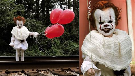 year  poses  pennywise  clown  stephen king