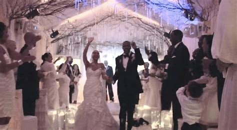 beyonce video wedding dress beyonce wasn t so excited about her wedding dress