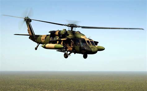 Helikopter Sikorsky Uh 60d Black Hawk sikorsky uh 60 black hawk walldevil