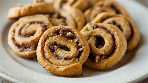 pinwheel recipes cinnamon pecan pinwheels recipe from pillsbury com