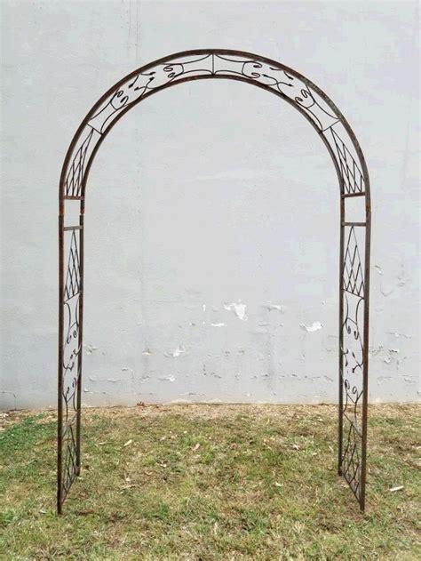 rustic ornate arch professional rentals