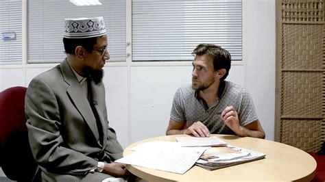 film dokumenter isis mengintip masjid terbesar di inggris lewat film
