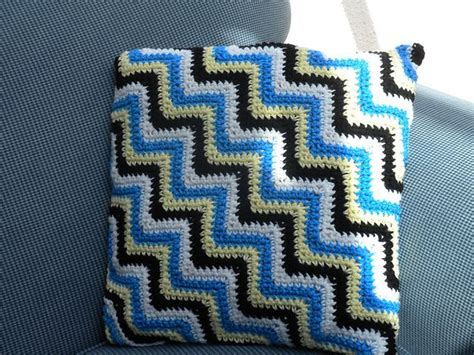 crochet zig zag pillow pattern ravelry crochet zig zag pillow pattern by loops threads