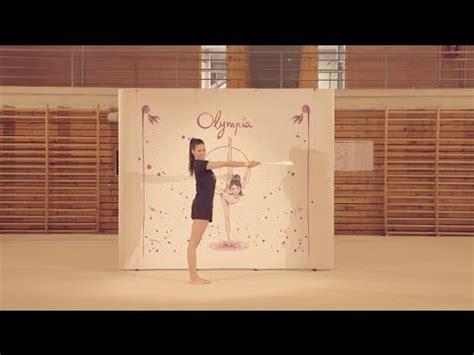 tutorial de almudena cid como hacer el molino con las mazas de gimnasia ritmica by