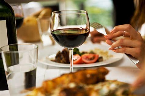 wine for dinner in moderation strengthens immune system