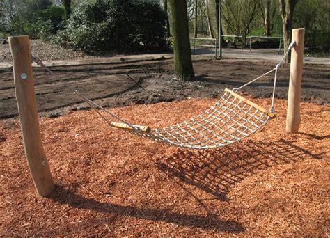 schaukel hängematte h 228 ngemattenschaukel aus robinienholz ziegler spielpl 228 tze