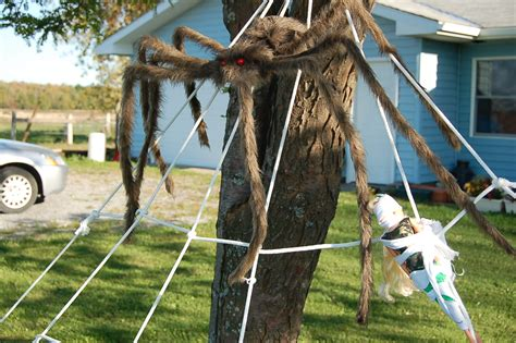 Giant Christmas Decorations Outdoor - halloween diy 2 giant lawn spiderwebs chicken scratch ny