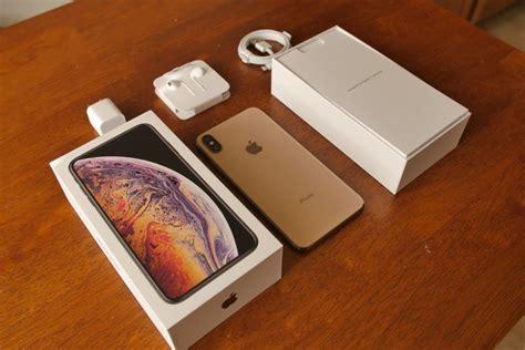 apple iphone xs max unboxing and look phonearena reviews phonearena