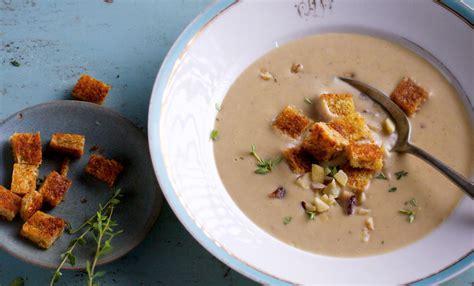 cucinare le castagne secche come cucinare le castagne secche ricette e consigli leitv