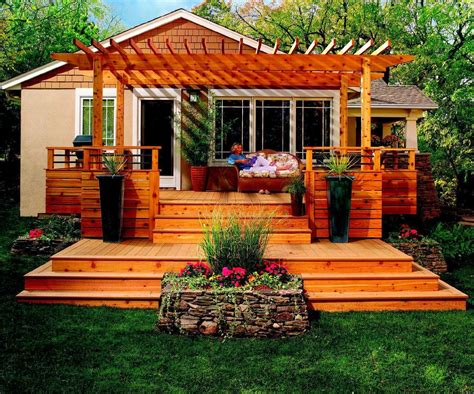 Pretty Backyard Ideas Pretty Backyard With Awesome Small Deck Idea Pretty Small Deck New House Pinterest