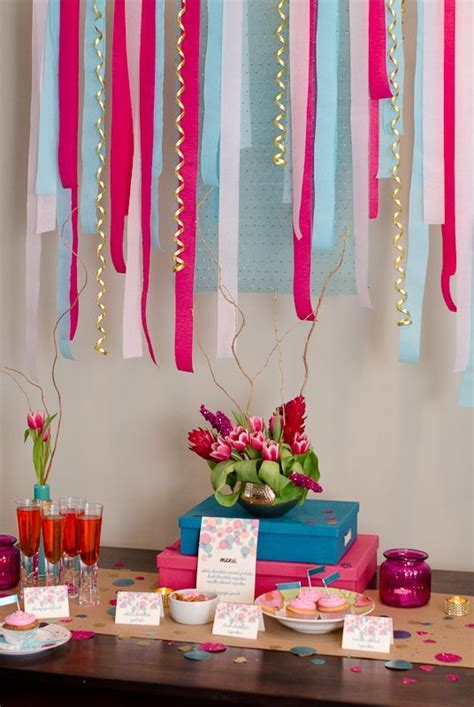BLOWOUT Fuchsia / Hot Pink Crepe Paper Streamer Party