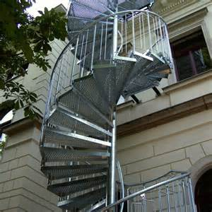 treppe außen chestha au 223 en idee wendeltreppe