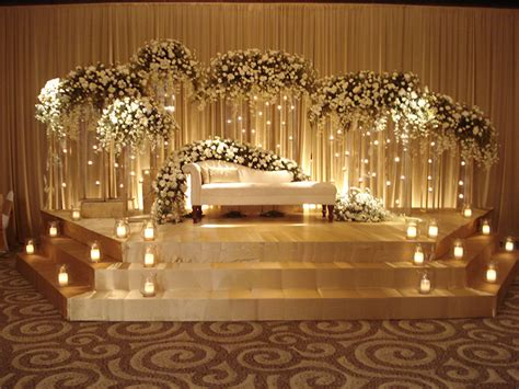 Decorations For Weddings by Wedding Planner Extraordinaire Wedding Architects Blue
