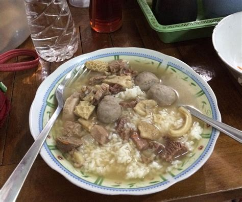 soto bakso sapi kuliner halal dekat pantai kuta