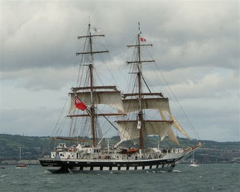 boat yacht ship difference learning to sail on tall ships versus yachts what are