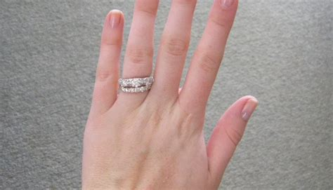 correct way to wear engagement ring and wedding band how to wear the wedding and engagement rings weddingelation