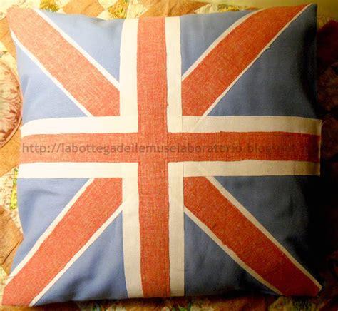 cuscini bandiera inglese la bottega delle muse laboratorio cuscino country con