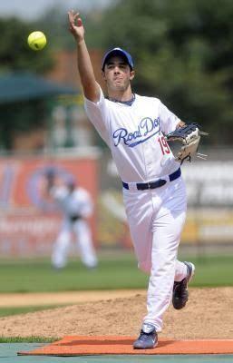 slow pitch softball swing mechanics how to throw a screwball in slow pitch softball softball