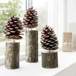 pinecone decorations 25 best ideas about pinecone decor on
