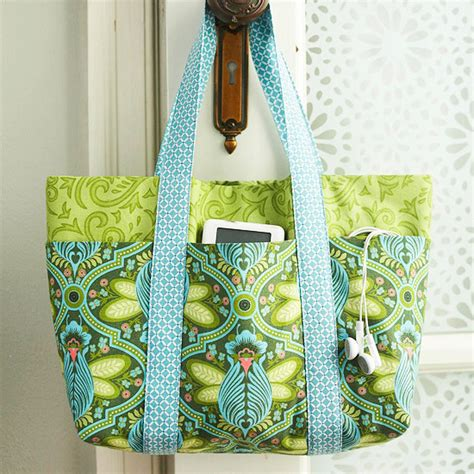 no pattern tote bag easy multi pocket tote bag free sewing tutorial tote