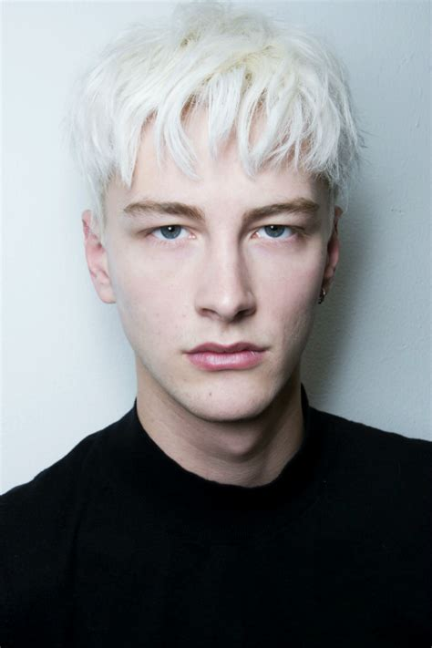 white haired model from chicos fashion backstage nyfw benjamin jarvis duckie brown