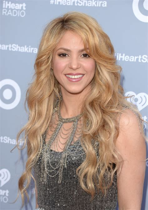shakira s hair is amazing hair pinterest shakira s album release iheart radio get her hair at