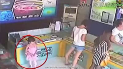 detik gadget menakjubkan anak kecil mencuri ipad hanya dalam waktu 5