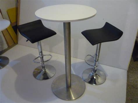 precio alquiler sillas alquiler de stands mesas y sillas tipo bar televisores