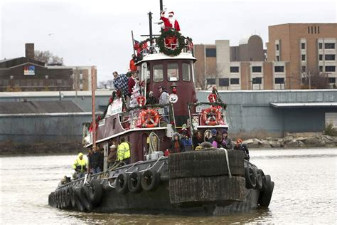 tugboat ohio tugboat leads toledo tree tradition the blade