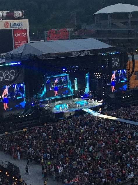 section 12 photography quot how did this happen quot a non fan reviews taylor swift s