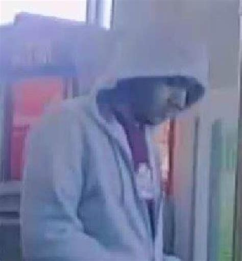 Buying Gift Cards With Stolen Credit Cards - man used stolen credit card to buy 200 in walgreens gift cards scpd say