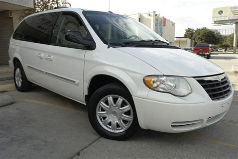 2007 chrysler town and country 2007 chrysler town country pictures cargurus
