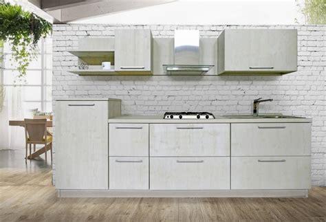 mobili cucine cucina pino e abete massello rigo ornella mobili