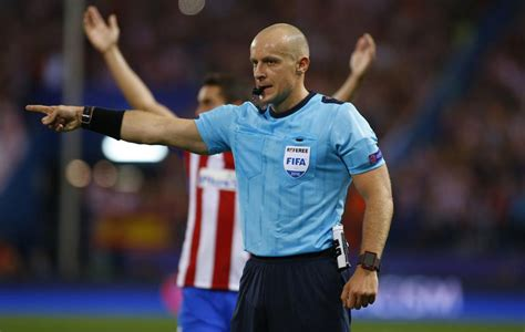 Barcelona Referee   szymon marciniak to referee psg barcelona marca in english