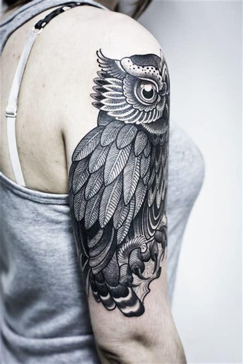 shoulder big eyes owl graphic tattoo idea  tattoo
