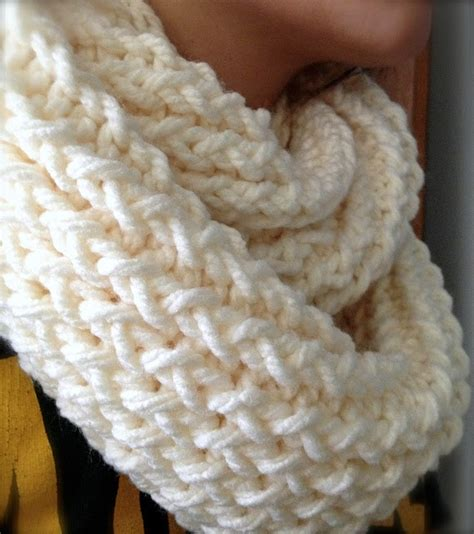 how to use loom knitting diy infinity scarf with a knitting loom diy craft projects