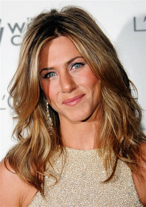 Lepaparazzi News Update Aniston Tops Hairstyles Poll by Aniston Pictures Gallery 20 Actresses