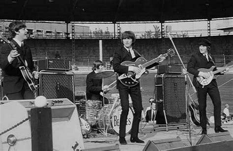 Garage Clothing Wiki File Beatles In Concerto Al Velodromo Vigorelli 1965 Jpg