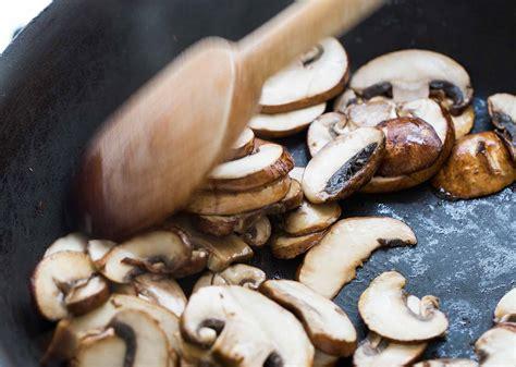 how to dry saut 233 mushrooms simplyrecipes com