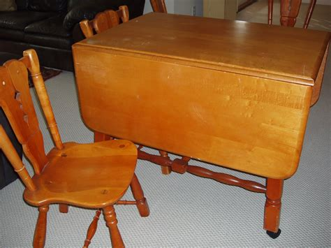 Maple Drop Leaf Table Maple Drop Leaf Table And 4 Chairs For Sale Antiques Classifieds