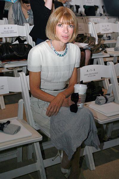 fashion editor description file wintour 2 jpg wikimedia commons