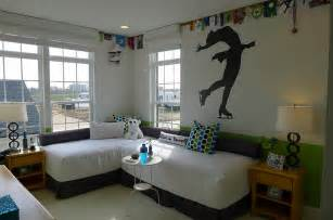 what to put in a bedroom 12 sensible methods to put your bed room nook area to use