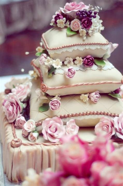Wedding Cake Your Pillow by 34 Best Pillow Cakes Images On Pillow Cakes