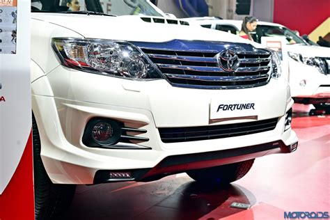 Kit Fortuner 2016 Mdl Lx Steel auto expo 2016 toyota fortuner trd sportivo platinum