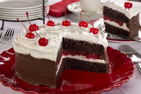 Gamis Black Forest black forest cake mrfood