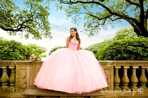 Quinceanera Photography by Houston Quinceaneras Photographer Fotografo Para