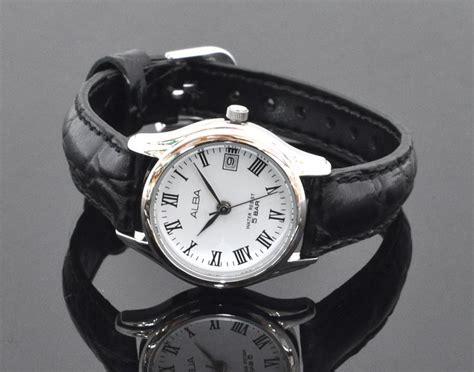 Alba Segi Leather With Date alba leather by seiko vx82 x359 silver beli